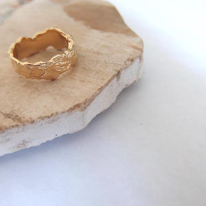 Rugged Ring -Gold-