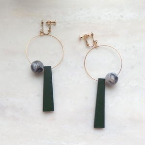 Wood Swing Earring -Green*Marble-  (ピアス/チタンピアス変更可能)