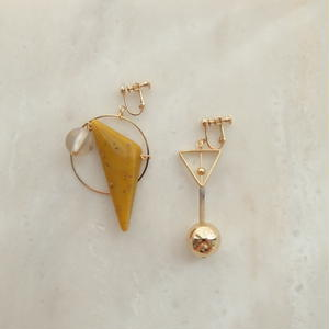 Triangle Asymmetry Earring -Yellow-  (ピアス/チタンピアス変更可能)