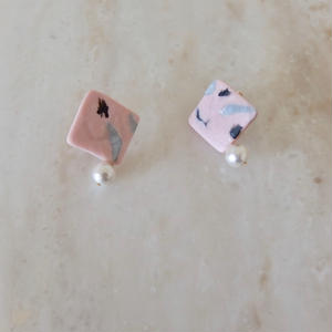 Square Pearl Earring -Pink-