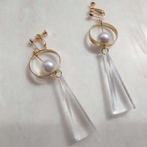 Triangle Swing Earring -Clear-  (ピアス/チタンピアス変更可能)