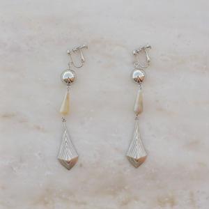 Drop Pearl  Earring (ピアス/チタンピアス変更可)