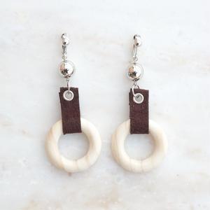 Wood Ring Earring -Brown-