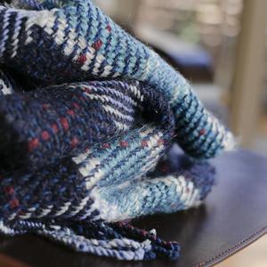手織りふんわり柔らかいマフラー チェック柄