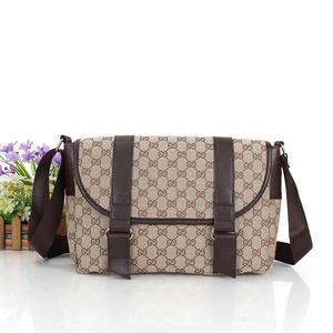 新入荷✩グッチ バッグ GUCCI ショルダーバッグ 斜めがけ GGクリスタル ハンドバッグ  鞄 男女兼可