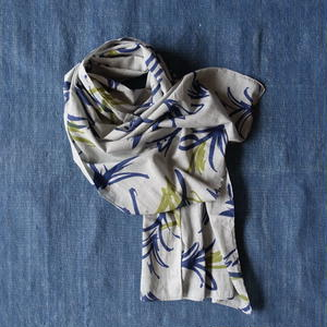 #150 Khadi Leaf Print Stole 55 × 180cm  (Light Gray)