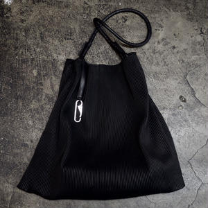 PLEATED LEATHER BAG