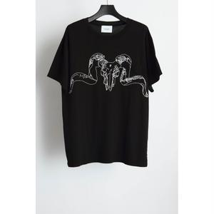 Skull Pocket T-shirt.