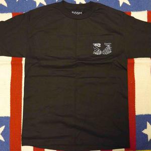"DOOM SAYERS ""SNAKE SHAKE"" S/S-POCKET Tシャツ (BLACK"