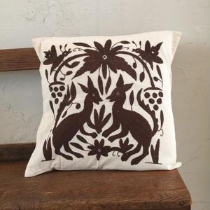 オトミ刺繍クッションカバー  dark brown