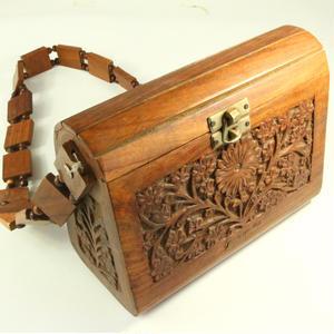 ジャマイカ直輸入!ハンドメイド 木彫り彫刻入り バッグ