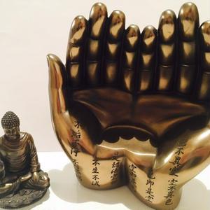 仏陀(ブッダ)の手のひら