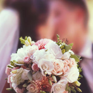 女性向け結婚アフィリエイト「婚活パーティーを利用する方法」記事テンプレート!(1800文字)
