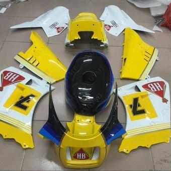【送料無料!】SUZUKI RG400 RG500 ガンマ フルカウル 外装セット WalterWolf、黄白、純正カラー等