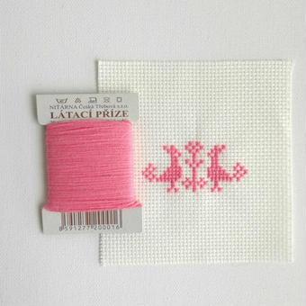 クロスステッチ 針山キット ピンクの糸
