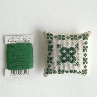 クロスステッチ 針山キット 緑の糸