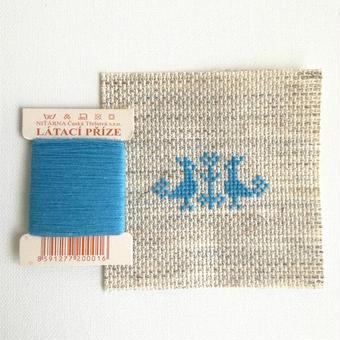 クロスステッチ 針山キット 水色の糸