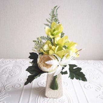 ●再販 お供え花【モダン 仏花 】上品 ホワイト & グリーン *プレミアム舞花B27