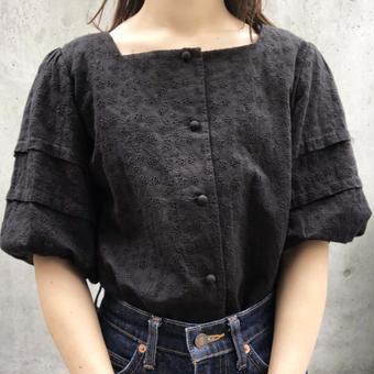 square  neck lace  blouse