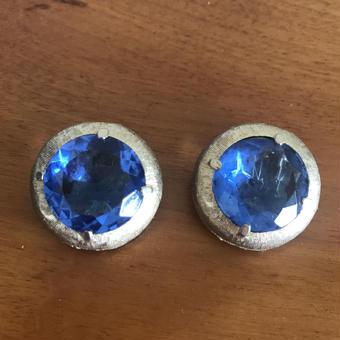 No.240 深海の様なブルーのビーズが美しいイヤリング