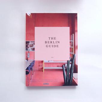 PETITE PASSPORT guide book (Berlin)