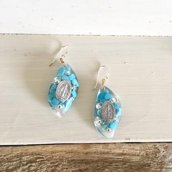 medi &turquoise blue