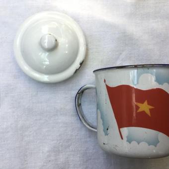 ベトナムのホーローマグカップ  (ヴィンテージ品)