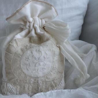 アノルマンディレースの巾着