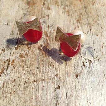naGue プラバンリボンのコットンパールキャッチピアス red