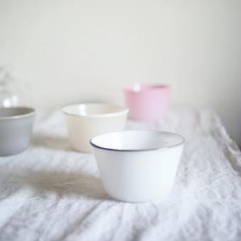 黒川 登紀子 さんの     台形カップ  白