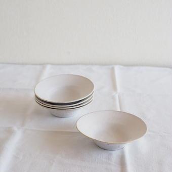 馬酔木 誠(アセビマコト)さんの豆鉢 白マット