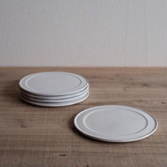馬酔木 誠(アセビマコト)さんの ケーキ平皿  白マット
