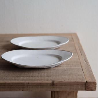 馬酔木 誠(アセビ マコト)さんのオーバル皿(M)  白マット