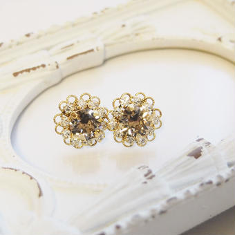 flower bijou pierce(グレージュ)