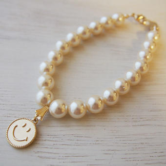 pearl×smile charm bracelet