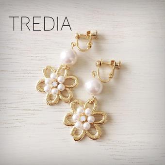 gold flower×pearl earring