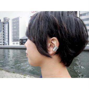 繭 (まゆ) ear cuff