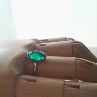 ヴィンテージ エメラルドシンプルシルバーカラー指輪