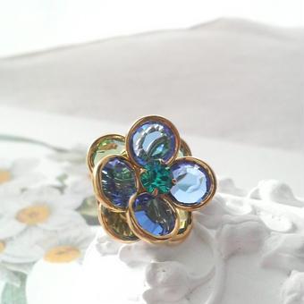 ヴィンテージスワロ Flower(ペリドット、サファイア、ブルージルコン)ピンブローチ