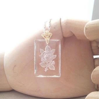ヴィンテージ Rectangle薔薇インタリオグラス ネックレス