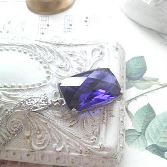 ヴィンテージ 青紫Square/decorative クラシカルネックレス