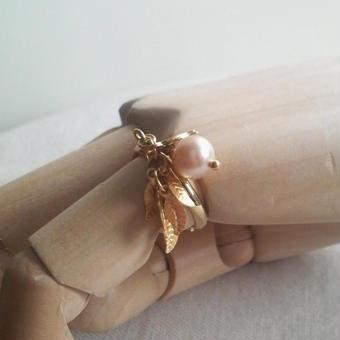 ヴィンテージ グラスパールとLeafの指輪