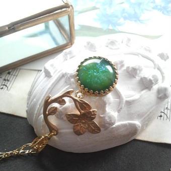 ヴィンテージ Greenドラゴンズブレス flowerネックレス