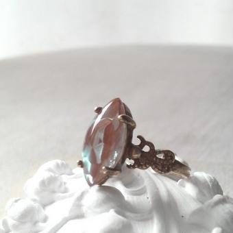 サフィレット(ナヴェット)クラシカル指輪