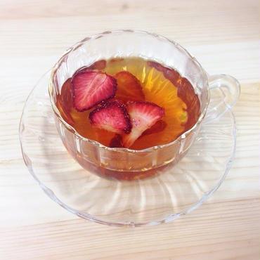 狭山紅茶とドライいちごのフルーツティー