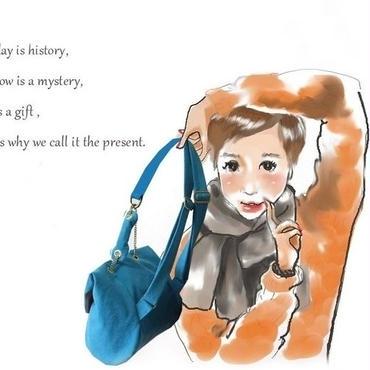 色の力でスタイリッシュに!コバルトブルー色の Small Backpack