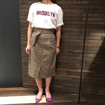 BROOKLYN  VネックロゴプリントTシャツ
