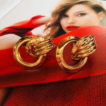 gold double hoop  pierce