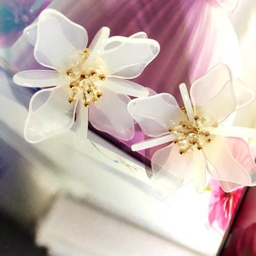flower  bijou pierce