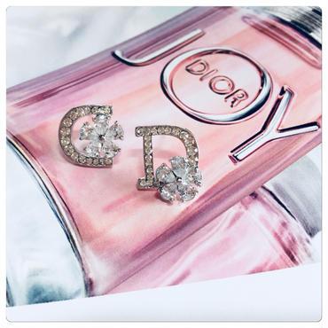 CD logo flower  pierce